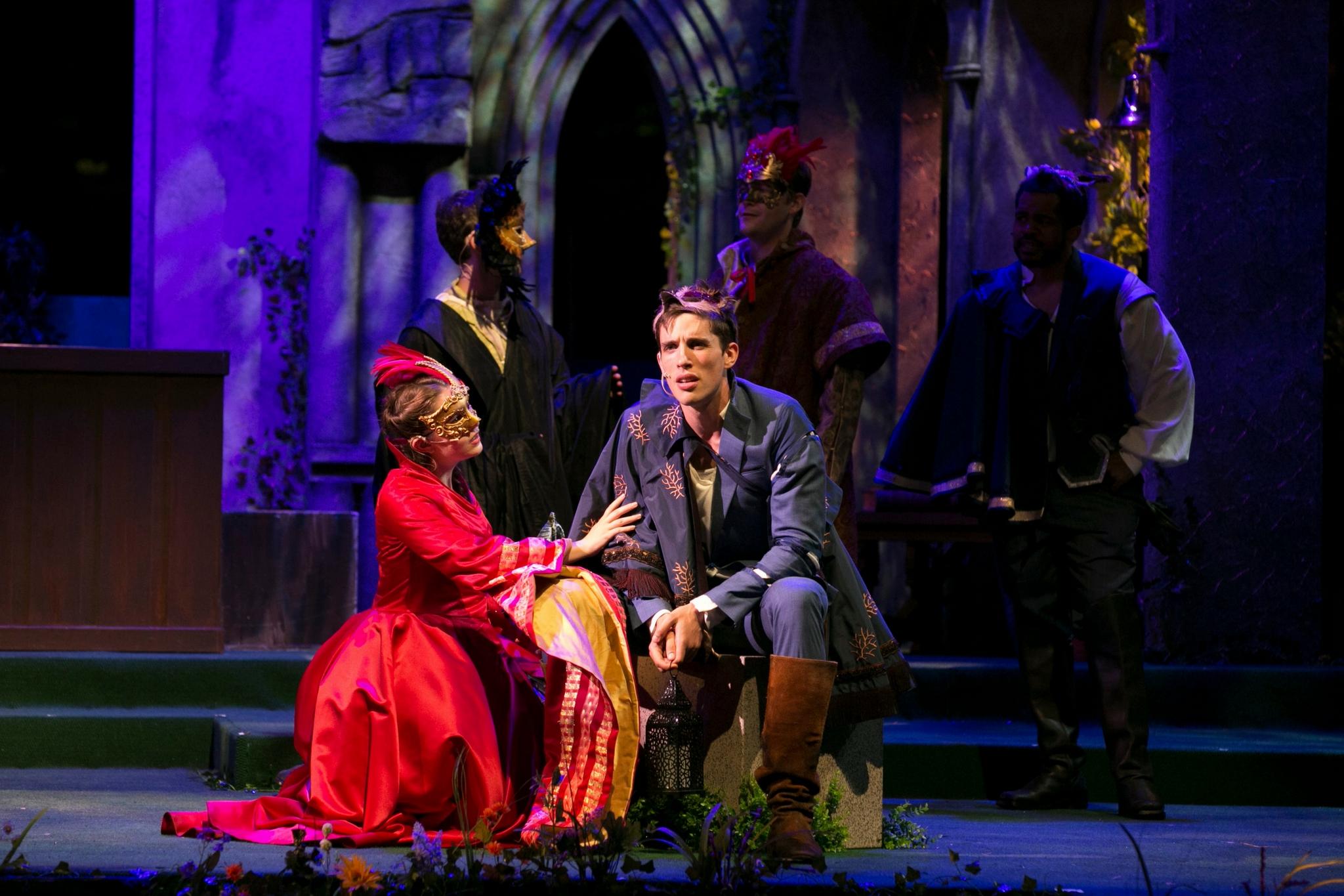 Sarah Mass (Verona Citizen) and John Zdrojeski (Romeo) in Romeo & Juliet, Shakespeare on the Common 2017-Photo by Evgenia Eliseeva