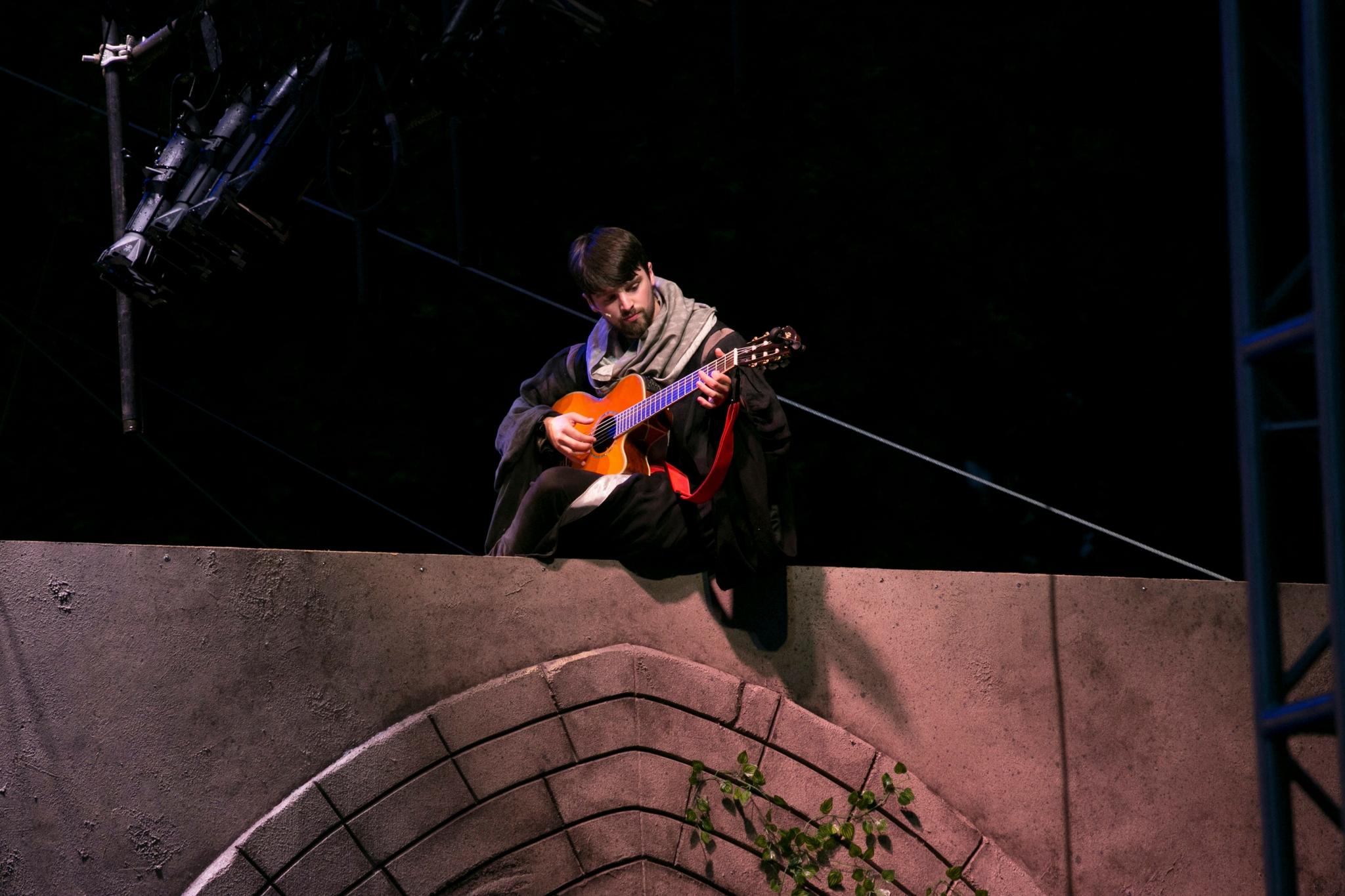 Alex Deroo (Musician) in Romeo & Juliet, Shakespeare on the Common 2017-Photo by Evgenia Eliseeva