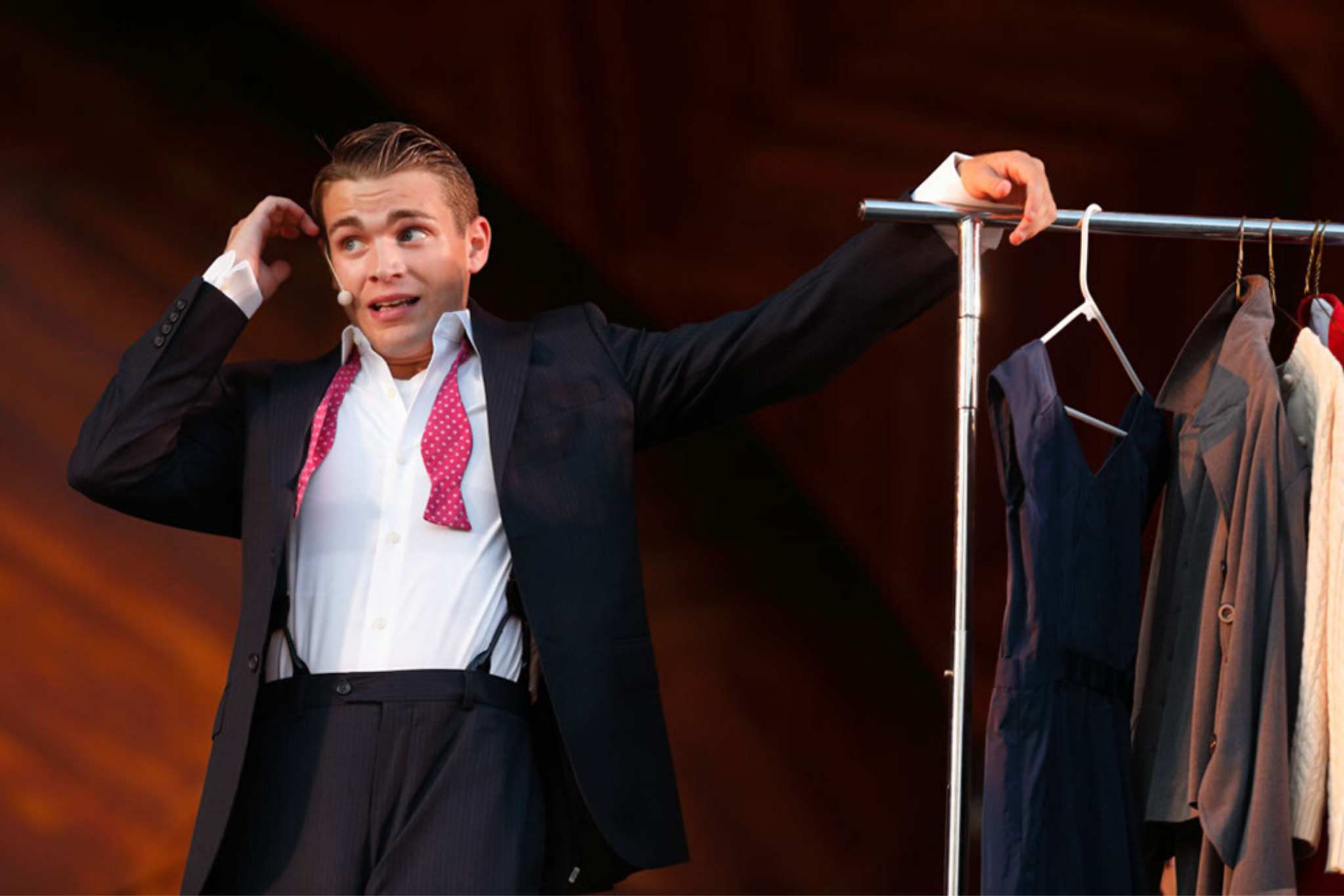 Andrew Burnap (Bill Calhoun/Lucentio) in Kiss Me Kate, CSC and Landmarks Orchestra 2013. Photo by Michael Dwyer.
