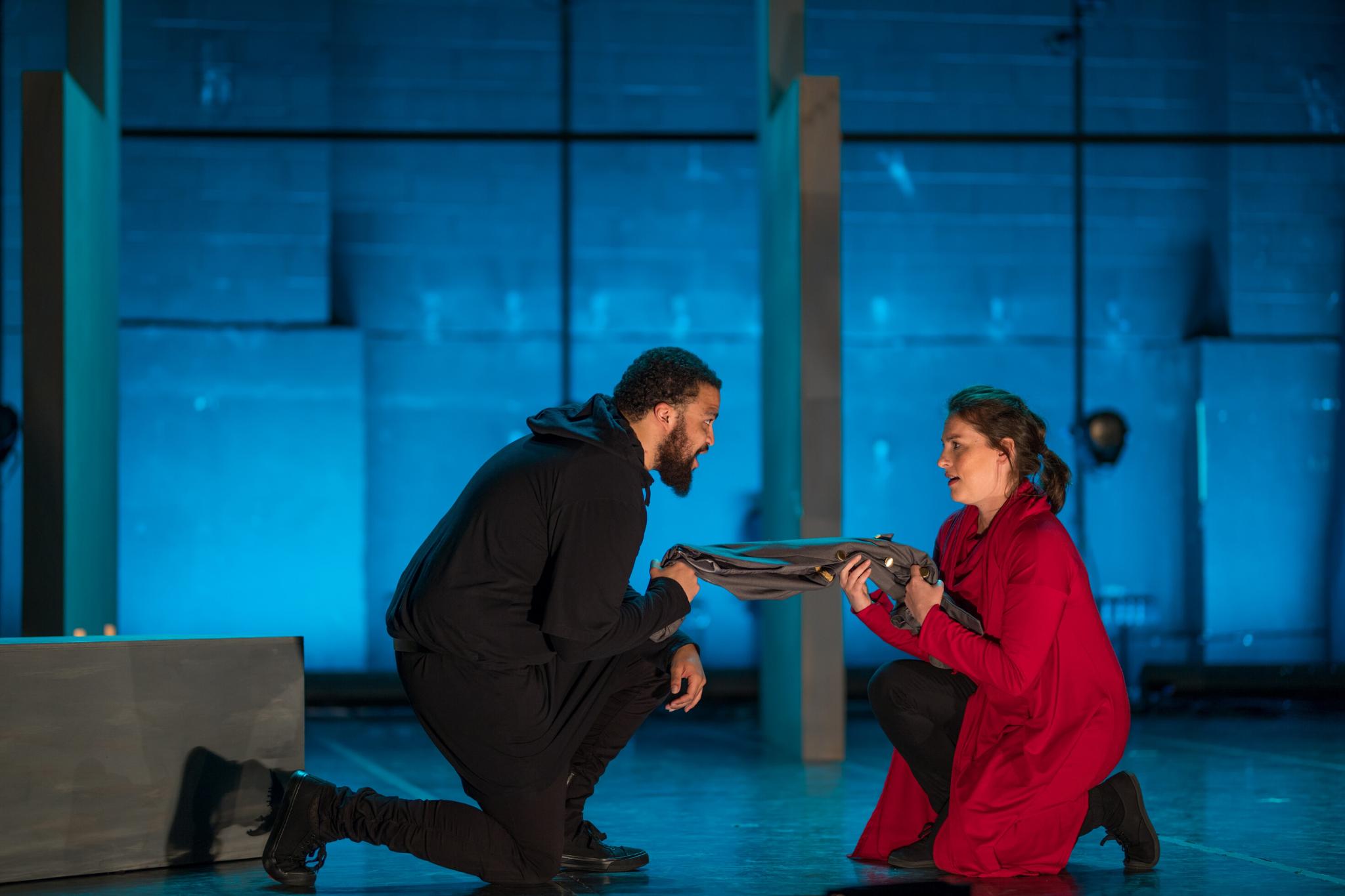 Kai Tshikosi (Caesar) and Stephanie King (Calpurnia) in Julius Caesar, CSC2, 2017-Photo by Nile Hawver