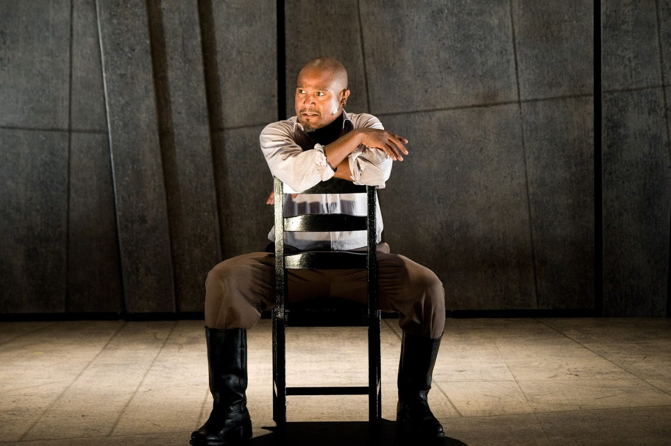 Seth Gilliam in Othello 2010. Photo by Andrew Brilliant
